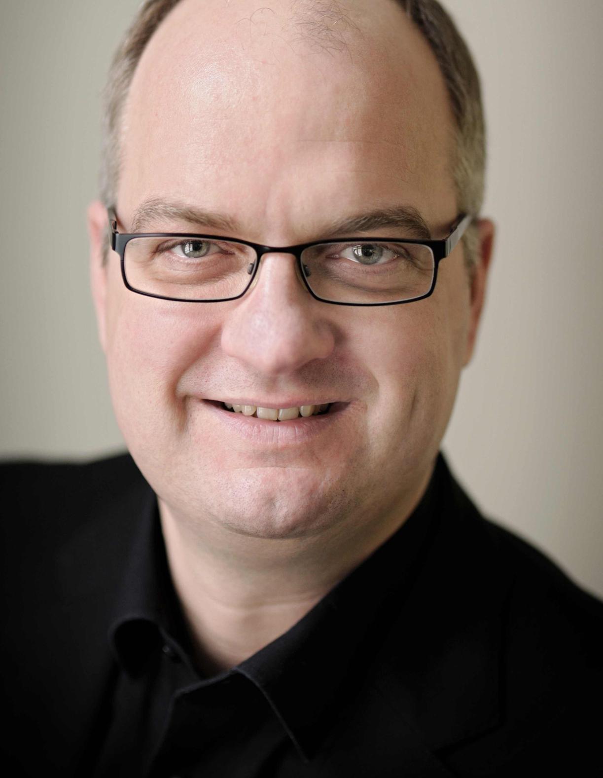 Dr. Gunnar Bender - Portrait | Quelle: Facebook Deutschland